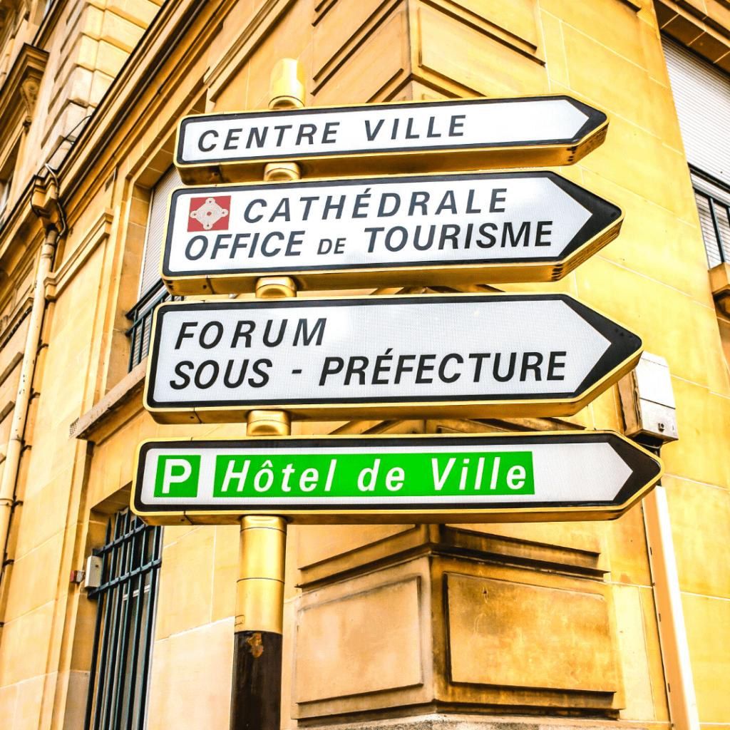 Ville du 1_4 d'heure-panneaux centre ville